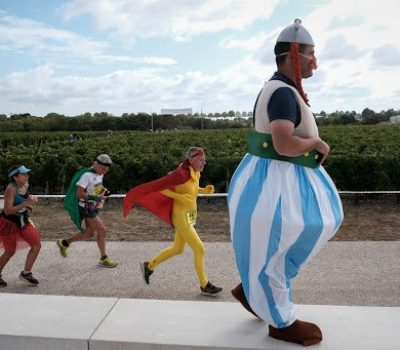 The 35th Medoc Marathon took place on Saturday, September 7, 2019. The 8500 runners were able to taste different wines from the Médoc along the route.Le 35eme marathon du médoc a eu lieu le samedi 7 septembre 2019. Les 8500 coureurs ont pu déguster différents vins issus du médoc le long du parcours.